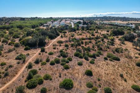 Terreno com ruina, Lagoa e Carvoeiro, Lagoa (Algarve)